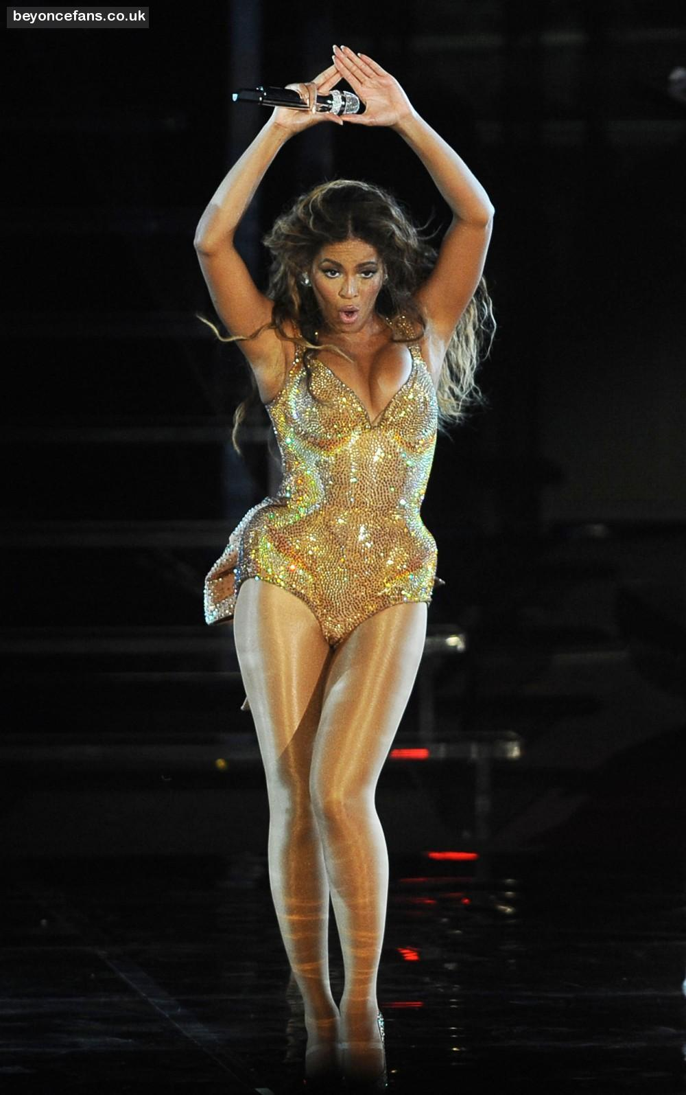 What Will Beyonce Wear At Super BowlThe Best Super Bowl