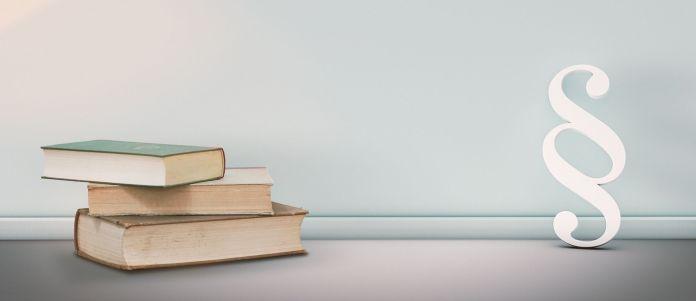 Paragraf und drei Bücher