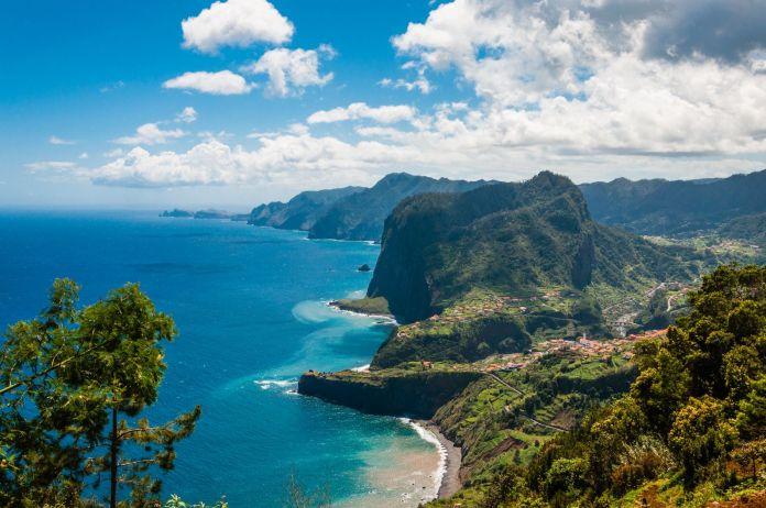 Portugiesische Küste in Madeira