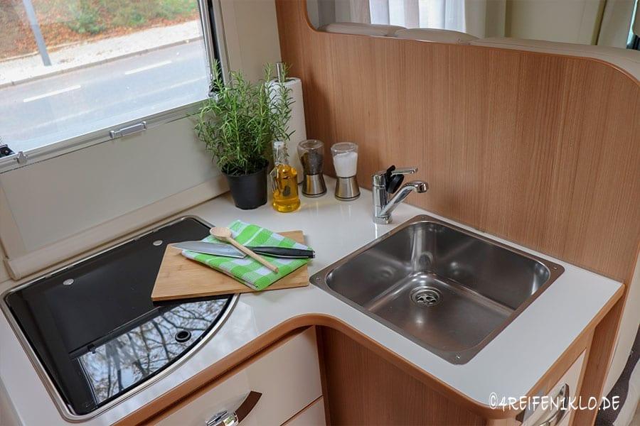 Kleine Küche im Ahorn Canada AE