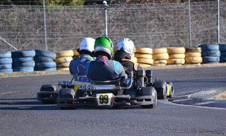 Competitive 4 Stroke Kart Racing