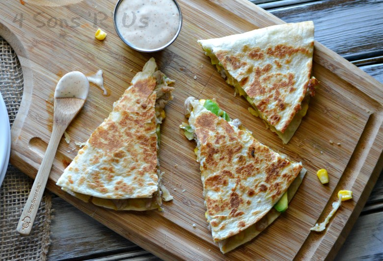 sweet-smoky-pork-quesadillas-with-spicy-ranch-dressing-6