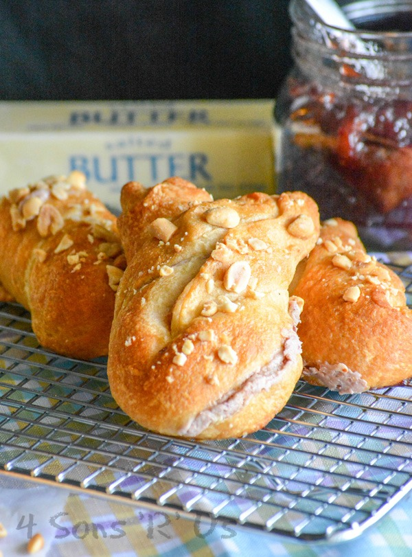 Strawberry Cream Cheese Bunny Buns
