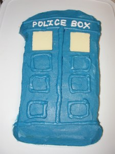 4 Sons 'R' Us: Doctor Who, Tardis Cake