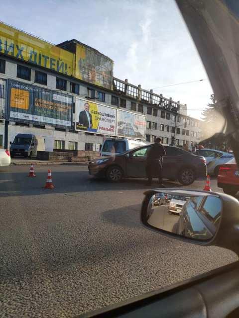 У Львові патрульні потрапили у ДТП (ФОТО)
