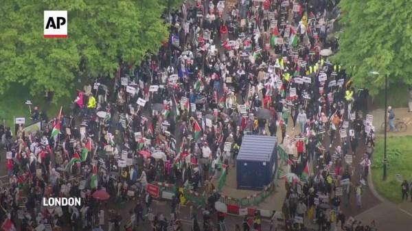 London protest against Isreali attacks on Gaza
