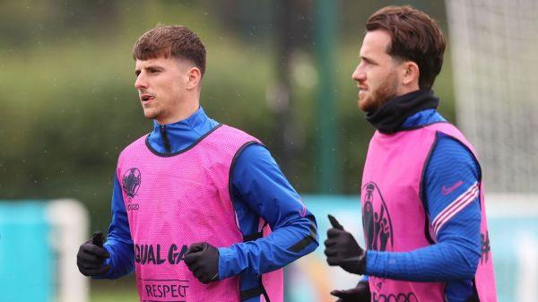 England duo Ben Chilwell, Mason Mount isolating; will miss Czech Republic clash