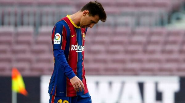 No Lionel Messi until January? Barcelona face brick wall in registering new deal