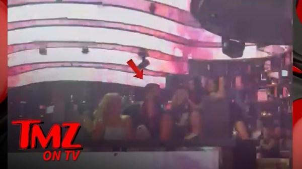 A-Rod Parties, Dances with 3 Women in Vegas | TMZ TV
