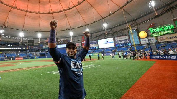 Nelson Cruz wins MLB's Roberto Clemente Award for philanthropy