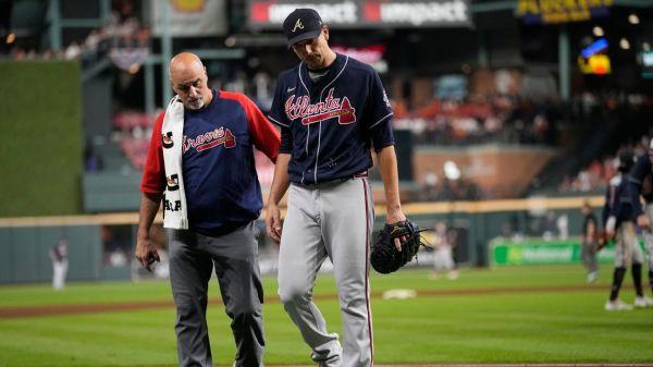 World Series 2021 - Charlie Morton threw 16 pitches on a broken leg -