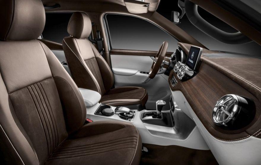 4waam-mercedes-x-class-interior-2