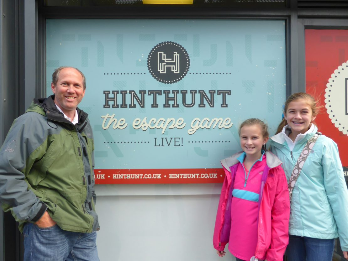 HintHunt: Family Barely Escapes London's Top Attraction