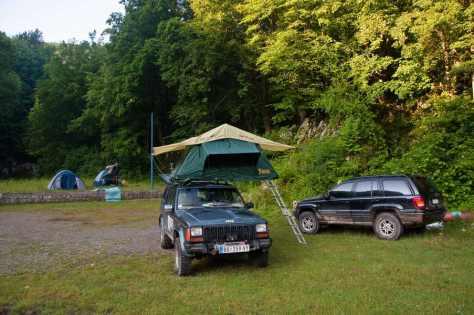Sa krovnim šatorom na kampovanju imate pun komfor