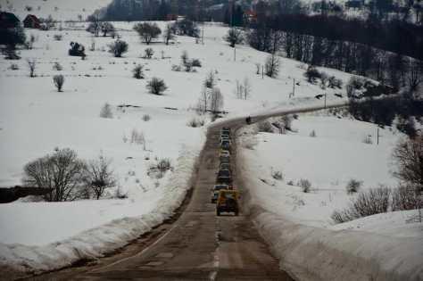 Konvoj je krenuo asfaltom ka Bosilegradu