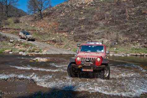Hendrikov Jeep izlazi iz Crnog Rzava