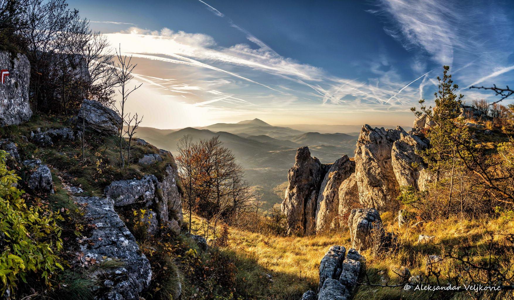 Hiking along the ridge of Tupižnica