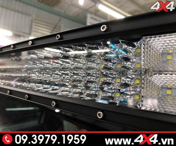 Độ đèn Ford Ranger: Cận cảnh các lúp đèn led bar 8D tăng sáng cực tốt cho xe bán tải