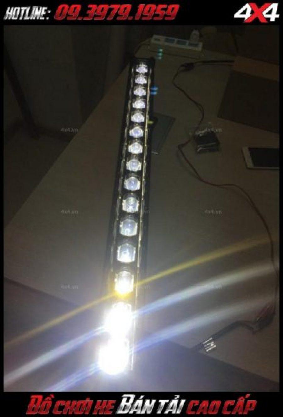 Đèn led bar 6d siêu sáng gắn ở nóc xe bán tải giúp trợ sáng cực tốt