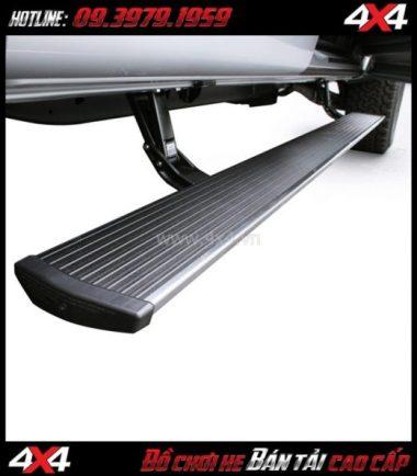 Bậc bước chân tự động dành cho xe bán tải Chevrolet Colorado tại HCM
