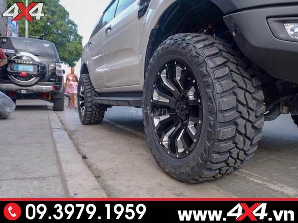 Đồ chơi xe Ford Ranger: Chiếc bán tải Ford Ranger trắng độ mâm Black Rhino Pinatubo cứng cáp và đẳng cấp