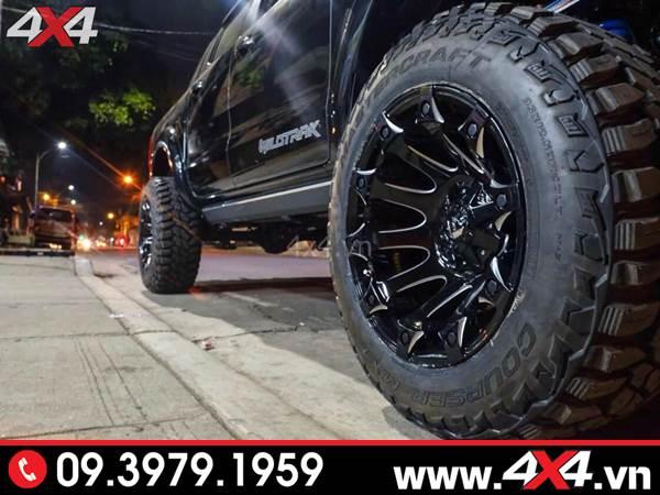 Đồ chơi xe Ford Ranger: Chiếc Ford Ranger màu đen gắn mâm Fuel Battle Axe đẹp, chất và cứng cáp