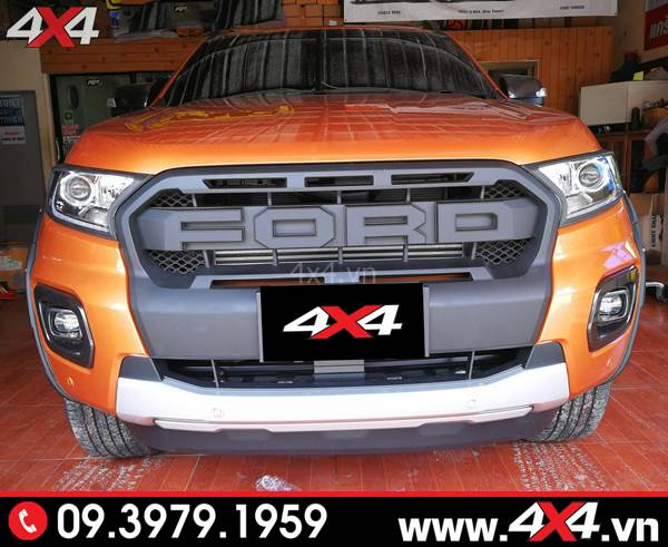 Đồ chơi xe Ford Ranger: Chiếc bán tải Ford Ranger cam độ mặt calang kiểu Ranger Raptor cực đẹp
