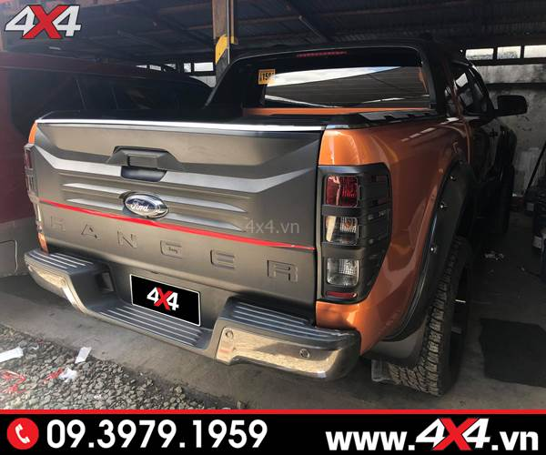 Đồ chơi Ford Ranger: Ốp cốp sau bản lớn đẹp và chất dành cho xe bán tải Ford Ranger