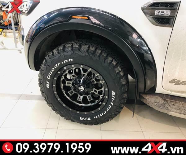 Đồ chơi xe Ford Ranger: Ốp cua lốp FITT trơn độ đẹp cho xe bán tải Ford Ranger