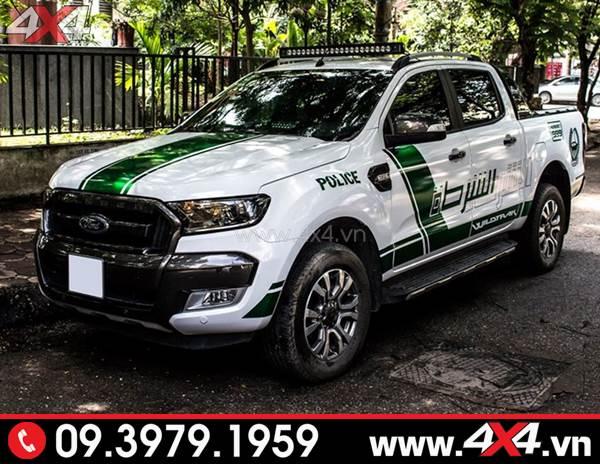 Tem dán xe bán tải: Chiếc Ford Ranger trắng lên tem police Dubai đẹp và độc