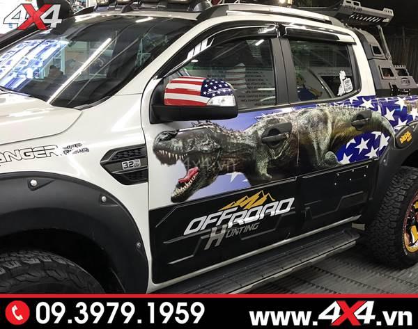 Đồ chơi xe Ford Ranger: Vè che mưa đen sọc trắng đẹp và hữu ích gắn cho xe bán tải Ford Ranger 2018 2019