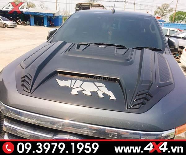 Ốp nắp capo rhino con tê giác màu đen đẹp và chất độ cho xe Ford Ranger