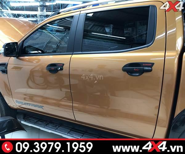 Chiếc bán tải Ford Ranger gắn ốp tay cửa, ốp chén cửa màu đen cho xe thêm cứng cáp và ngầu hơn rất nhiều