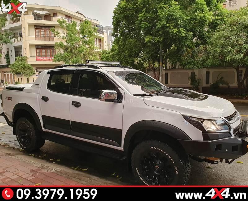 Chiếc bán tải Chevrolet Colorado độ đẹp và hầm hố với ốp cua lốp đen loại trơn