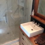slate_marble_tile_bathroom