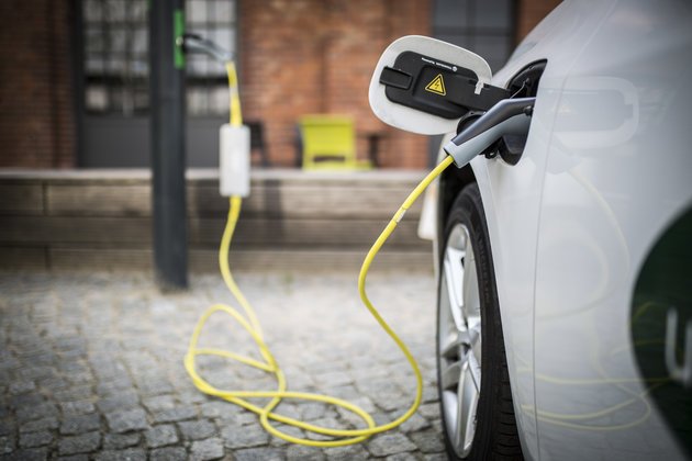 Electric Cars Could Soon Be Charged In Seconds With New 'Flow Battery'
