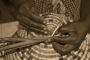 weaving-829936_960_720