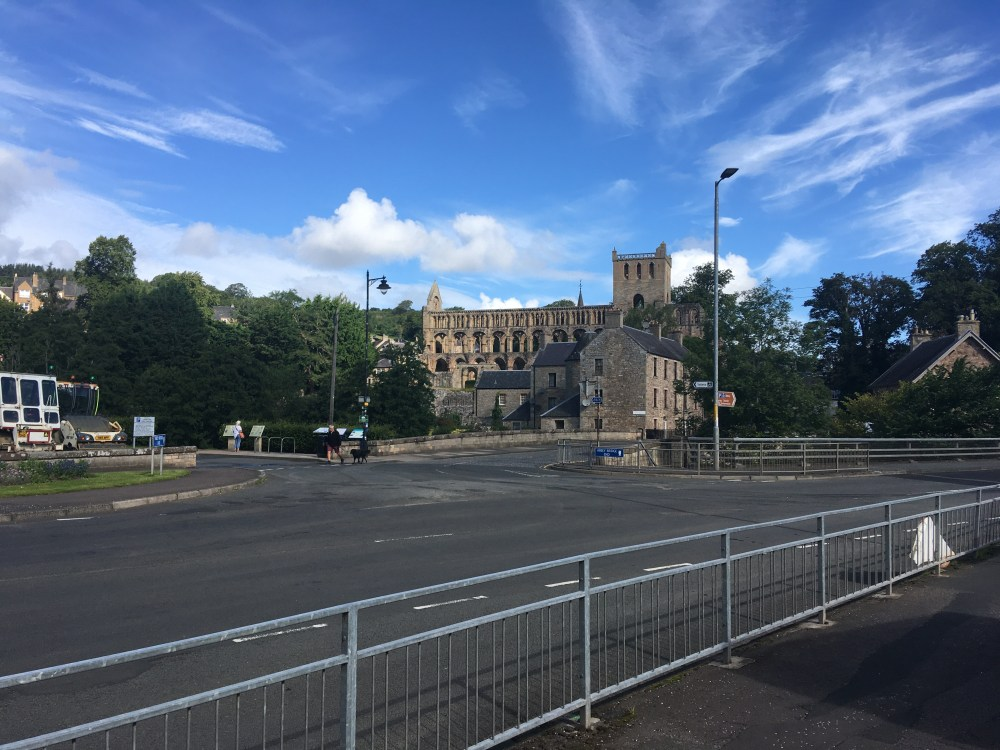591 Jedburgh Abbey from road