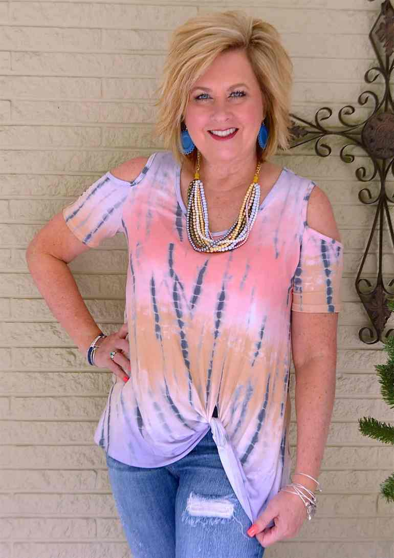 50 IS NOT OLD | HOW TO WEAR THE TWIST HEM