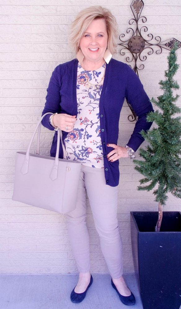 50 IS NOT OLD | A LONGER CARDIGAN FOR A SLEEKER LOOK