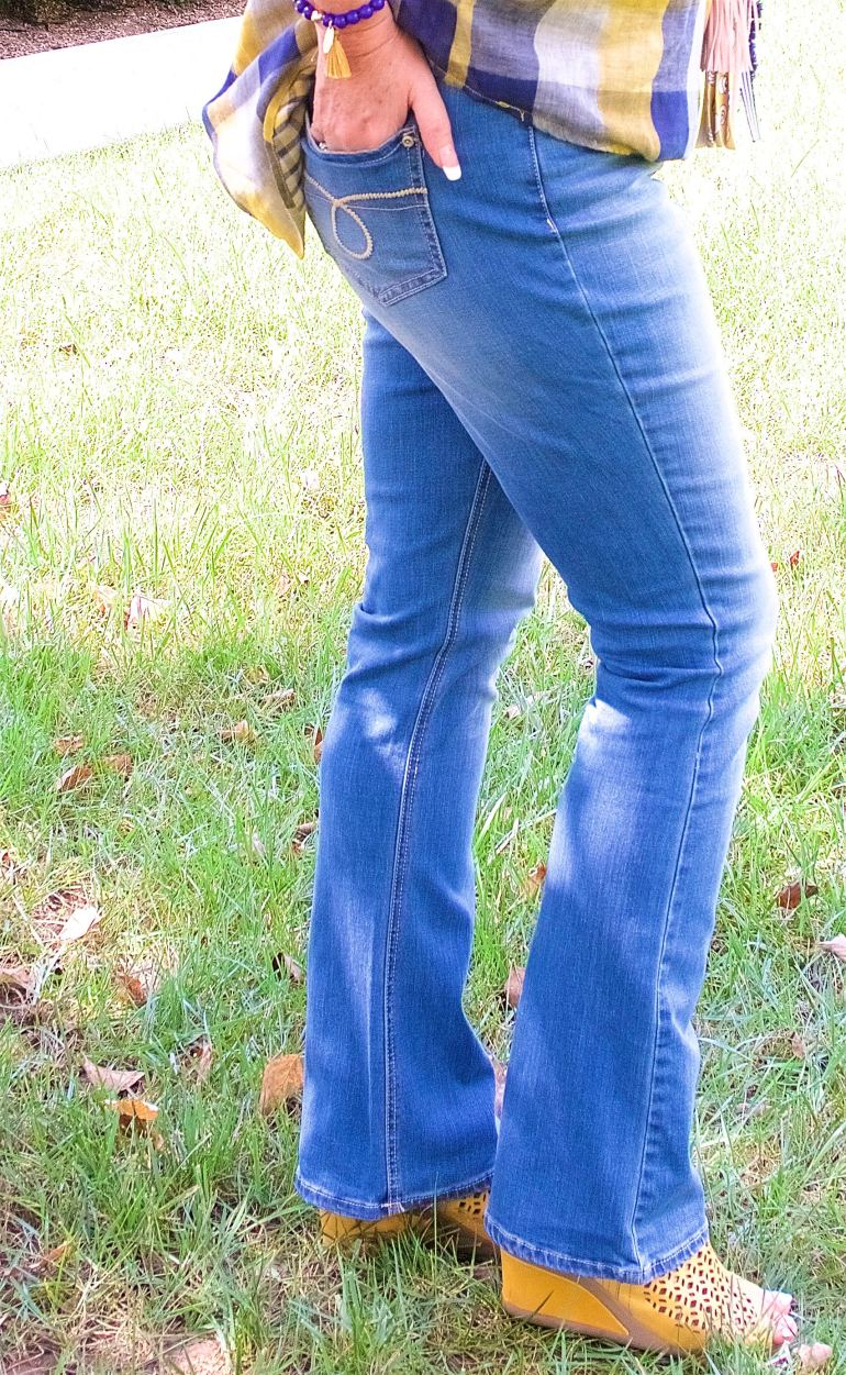 50 IS NOT OLD | EVERYONE NEEDS SHAPE ENHANCING JEANS | FASHION OVER 40