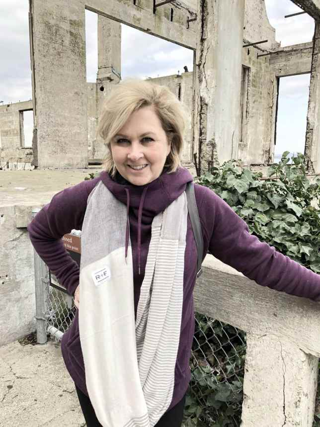 50 IS NOT OLD | DRESS FOR COMFORT WHEN SIGHTSEEING | FASHION OVER 40