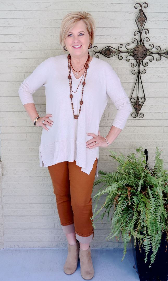 50 IS NOT OLD | COLORED JEANS AND ANKLE BOOTS FOR FALL | FASHION OVER 40