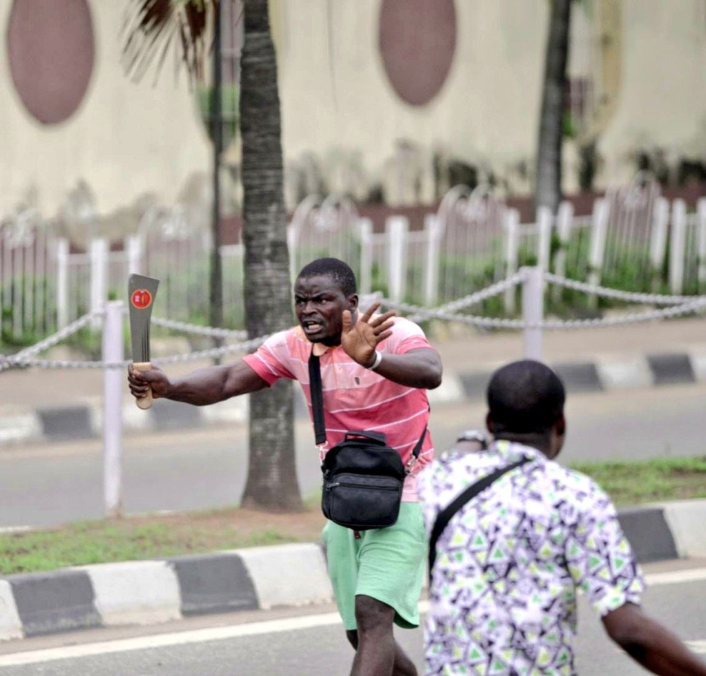 thugs Benin White House Prison Break; 5 Signs It A Planned Work thugs Face of Thugs leader That came to Dispel Peaceful Protesters At Alausa EkXi1NyXcAIQh9s
