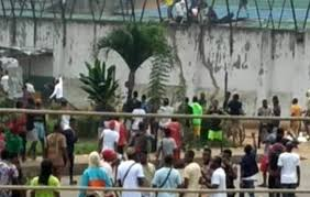 Is This Proper? See How Nigerian Youths Break Into Prison In Ondo And Free Inmates(Video) - images 7 2 - Is This Proper? See How Nigerian Youths Break Into Prison In Ondo And Free Inmates(Video) Is This Proper? See How Nigerian Youths Break Into Prison In Ondo And Free Inmates(Video) - images 7 2 - Is This Proper? See How Nigerian Youths Break Into Prison In Ondo And Free Inmates(Video)
