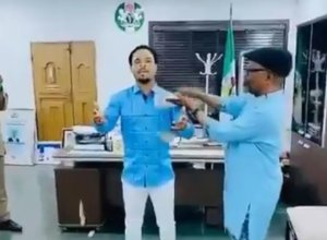 Agbazuere and Odumeje in his office  abia state governor suspends top aide for spraying money on popular cleric in office - 20201206 170935 300x220 - Abia State Governor suspends top aide for spraying money on popular cleric in office abia state governor suspends top aide for spraying money on popular cleric in office - 20201206 170935 - Abia State Governor suspends top aide for spraying money on popular cleric in office