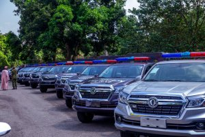 insecurity: seyi makinde supports security personnel with 25 new trucks in oyo state - 20201211 182206 300x200 - Insecurity: Seyi Makinde supports security personnel with 25 new trucks in Oyo State insecurity: seyi makinde supports security personnel with 25 new trucks in oyo state - 20201211 182206 - Insecurity: Seyi Makinde supports security personnel with 25 new trucks in Oyo State