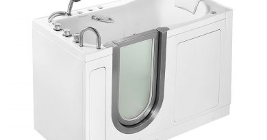 Why the Pros Outweigh the Cons When it Comes to Buying a Walk-in Bathtub