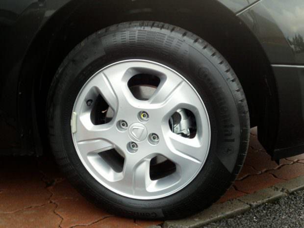 Dacia Sandero alloy wheel