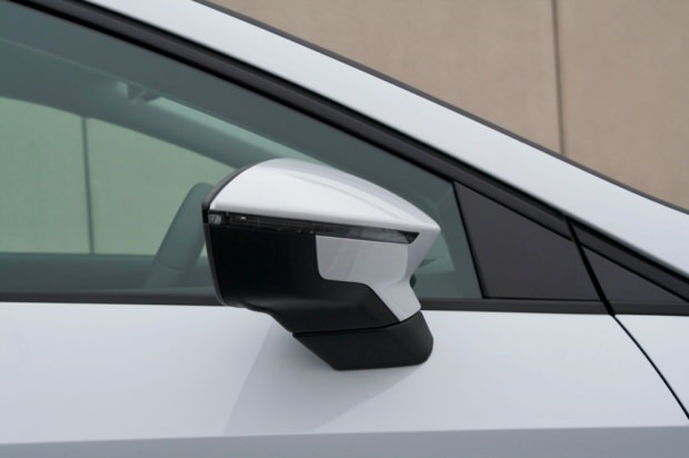 2013 Seat Leon mirror